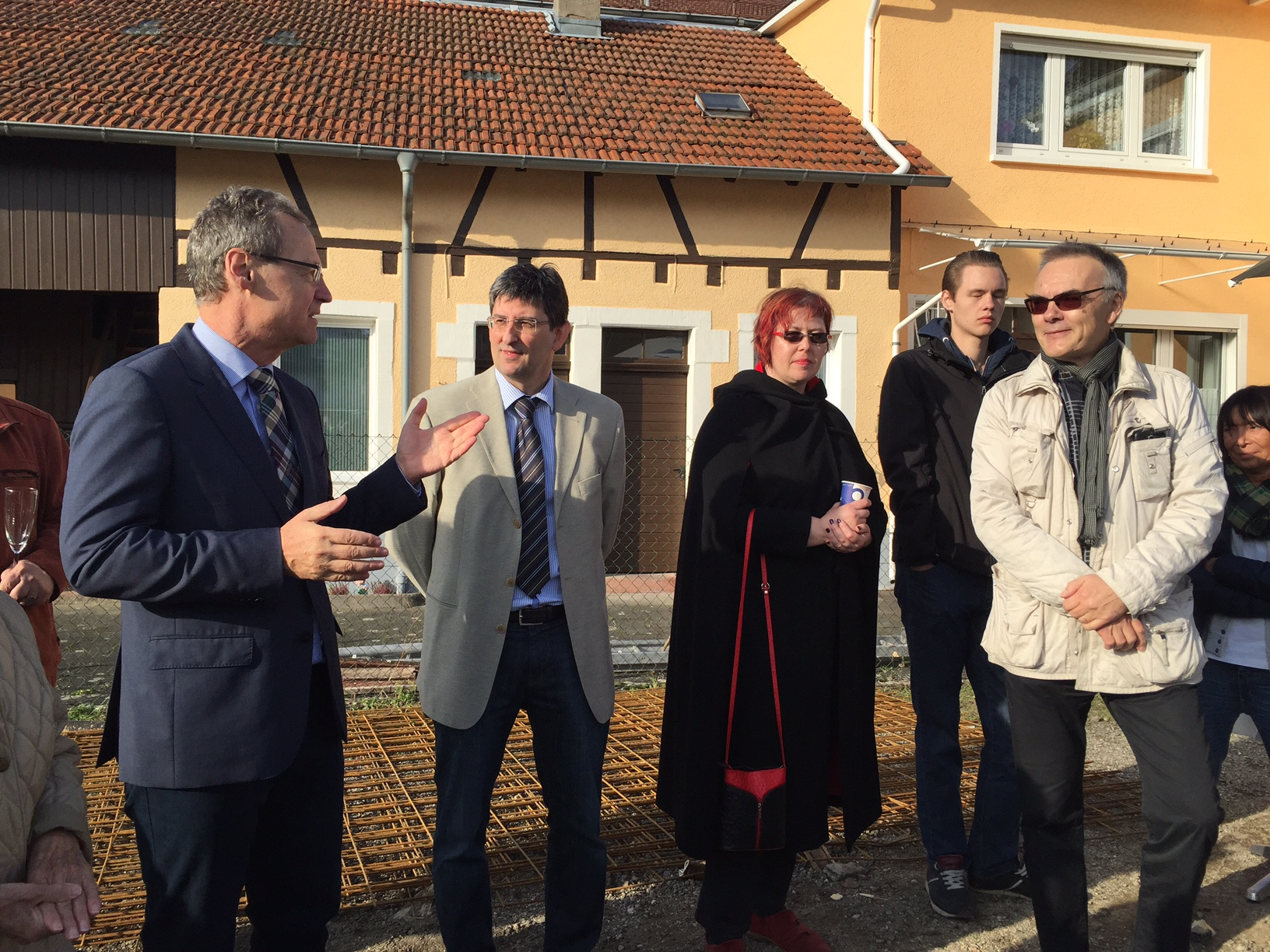 Lobt das Vorhaben: Bürgermeister Hansjörg Höfer bei seinem Grußwort